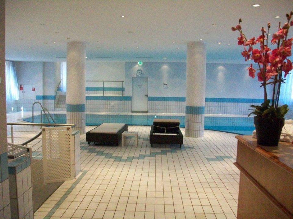 wellness pool pentahotel leipzig leipzig. Black Bedroom Furniture Sets. Home Design Ideas