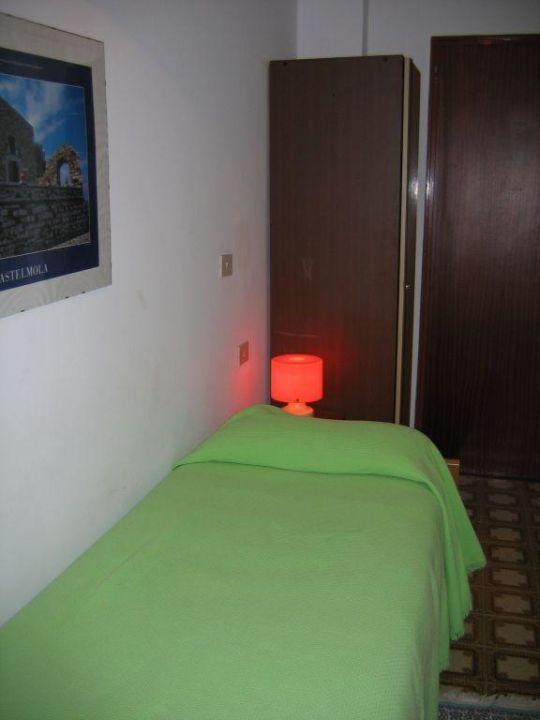 Einfaches Einzelzimmer 5.Stock Hotel Elios