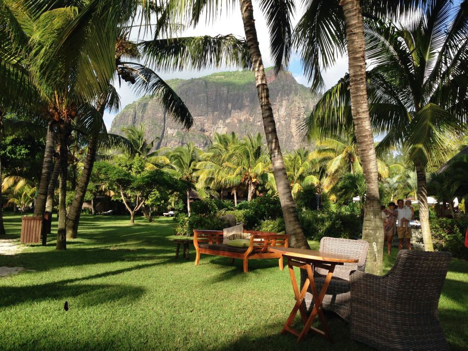 bild strand richtung garten zu lux le morne in le morne. Black Bedroom Furniture Sets. Home Design Ideas