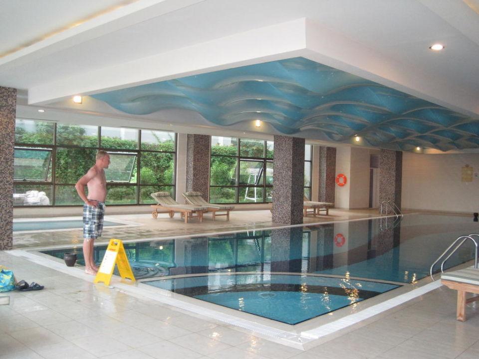 Indoor-Pool\