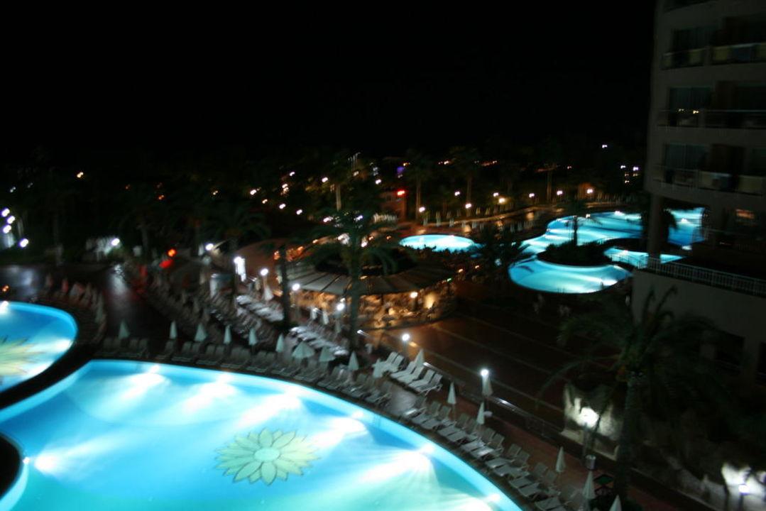 Nachts schön beleuchtet Kirman Leodikya Resort