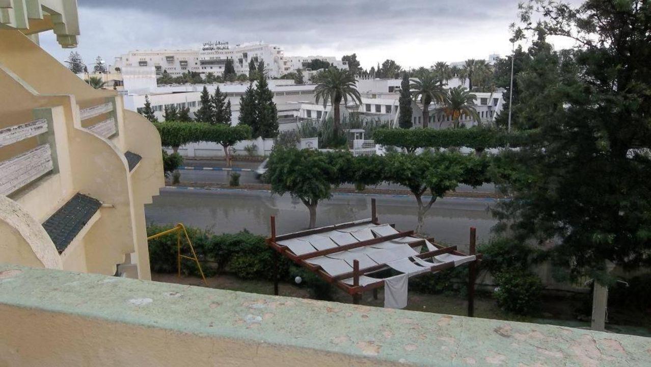bild balkont r von au en zu hotel houria palace in port el kantaoui. Black Bedroom Furniture Sets. Home Design Ideas