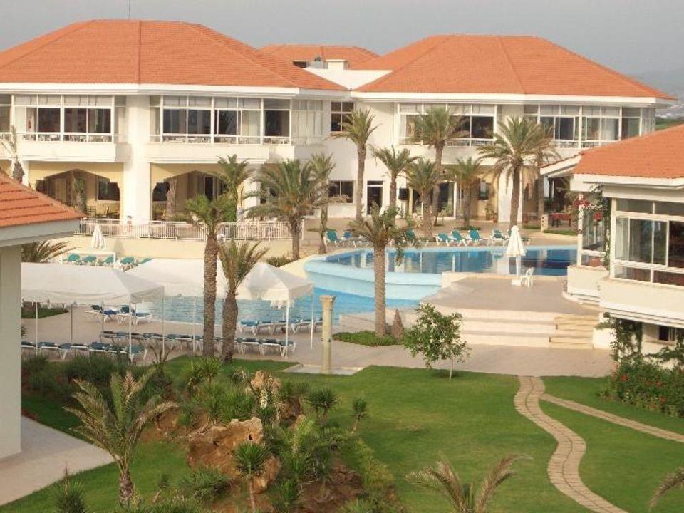 Blick von unserem Zimmer auf den 2-stöckigen Pool und das St Hotel Club Valtur Tabarka