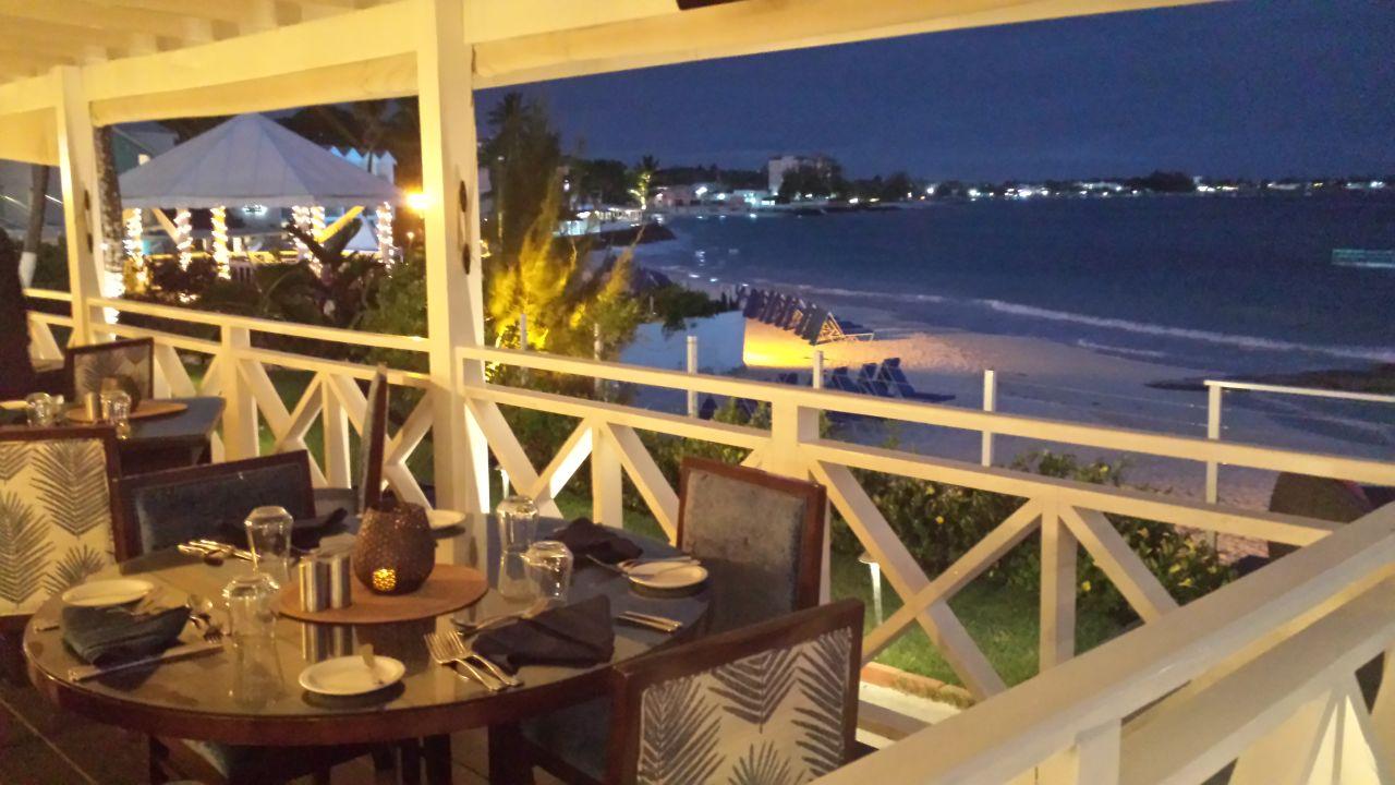 Gastro Sea Breeze Beach House - All Inclusive