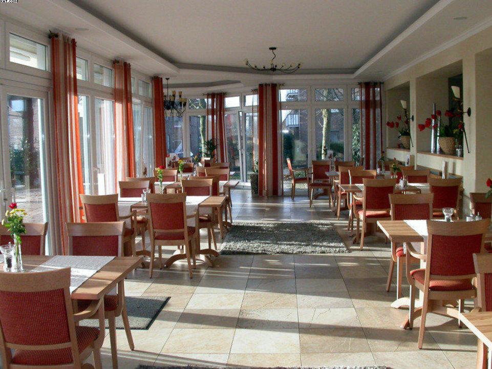 """Speisesaal"" Hotel Haus Höpke Bad Laer • HolidayCheck"