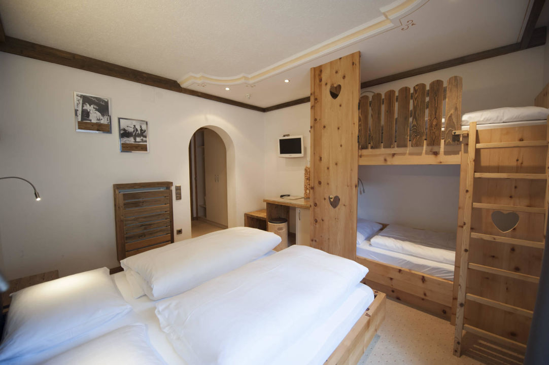 luis trenker zimmer mit stockbett hotel jaufentalerhof. Black Bedroom Furniture Sets. Home Design Ideas