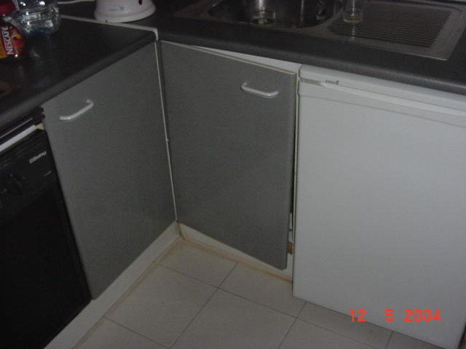 vergammelte Mülleimertür Küchenzeile Aparthotel Bitacora Lanzarote Club
