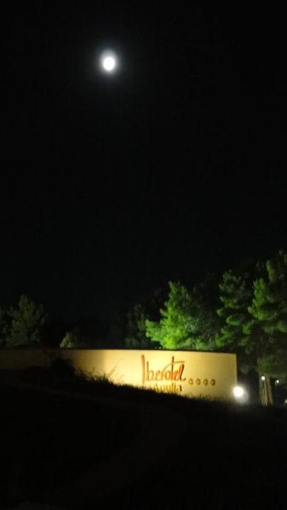Moon over Apulia Vivosa Apulia Resort