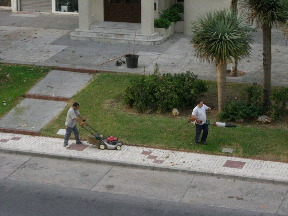 Die Jungs mit den Krachmachern geben alles! Hotel Riu Belplaya  (Vorgänger-Hotel – existiert nicht mehr)