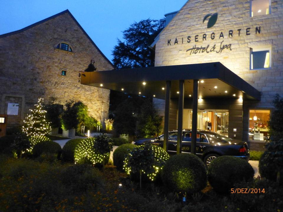 eingangsbereich kaisergarten hotel spa deidesheim. Black Bedroom Furniture Sets. Home Design Ideas