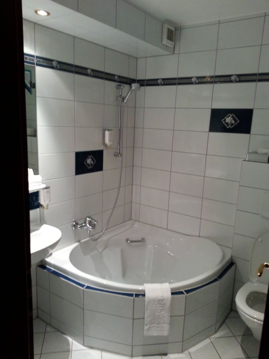 Badezimmer Mit Eckbadewanne Bäder Park Hotel Sieben Welten Therme U0026 Spa  Resort