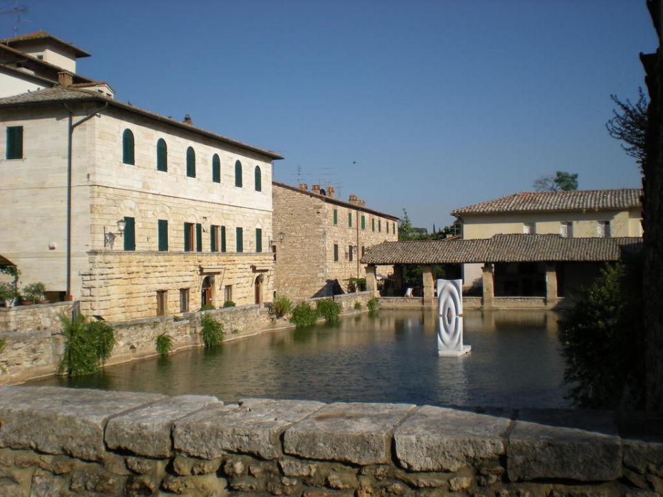 Noch eine Außenansicht. Albergo Le Terme