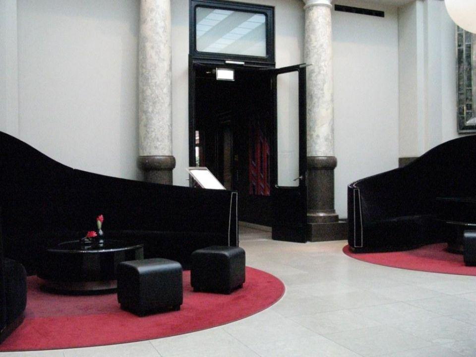 Imposantes Sitzen Rocco Forte Hotel De Rome Berlin