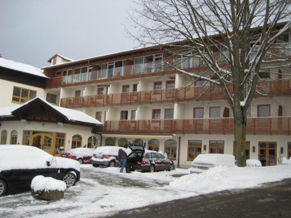 lindenwirt im winter hotel lindenwirt drachselsried holidaycheck bayern deutschland. Black Bedroom Furniture Sets. Home Design Ideas