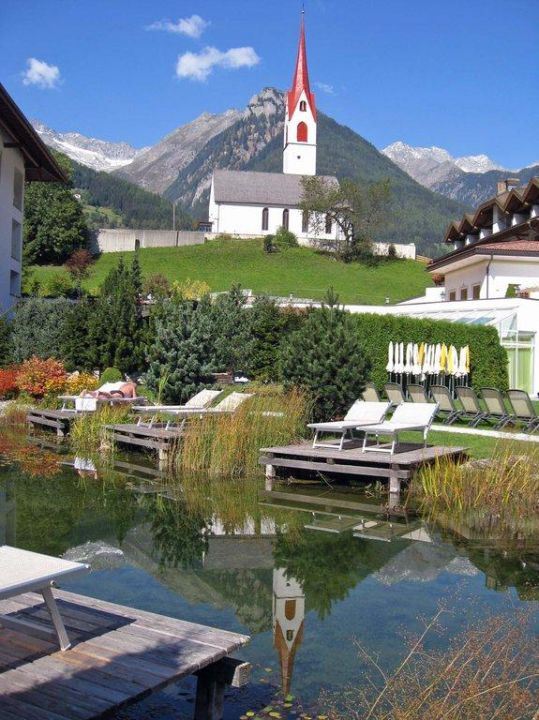 Kirche in Luttach Hotel Schwarzenstein