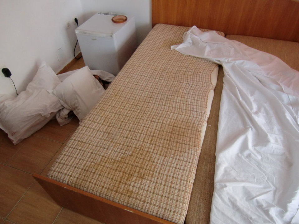 auf den boden schlafen ostseesuche com. Black Bedroom Furniture Sets. Home Design Ideas