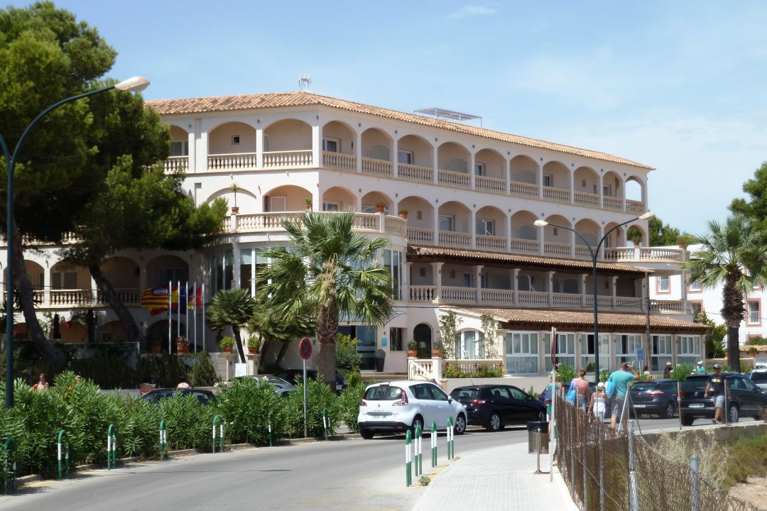 Super hotel in sant jordi hotel el coto colonia sant jordi holidaycheck mallorca spanien - Hotel el coto mallorca ...