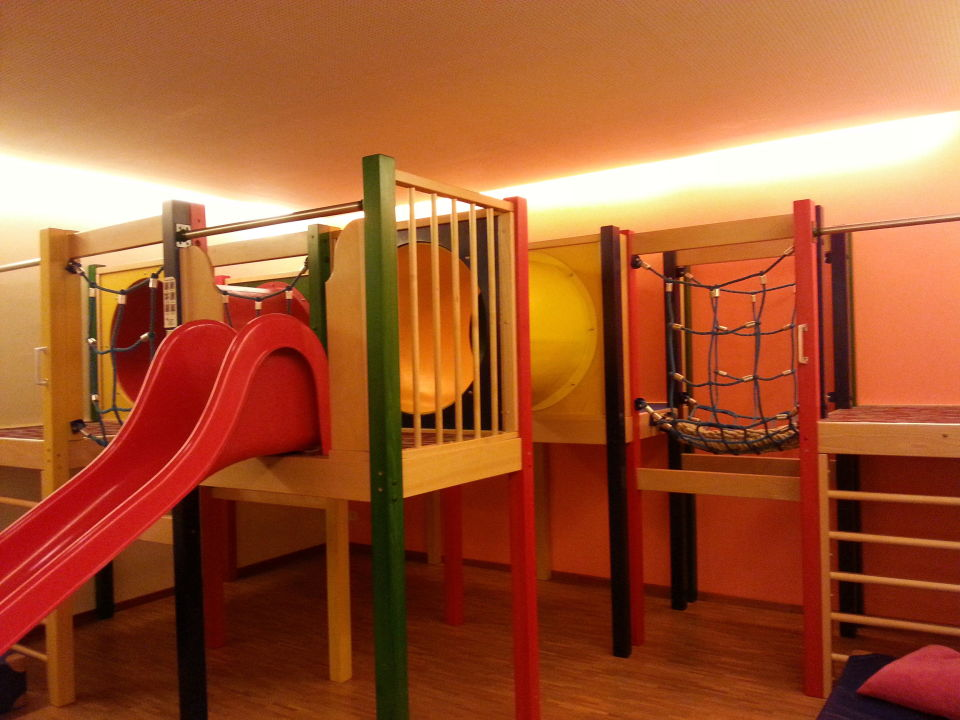 Indoor-Spielplatz\