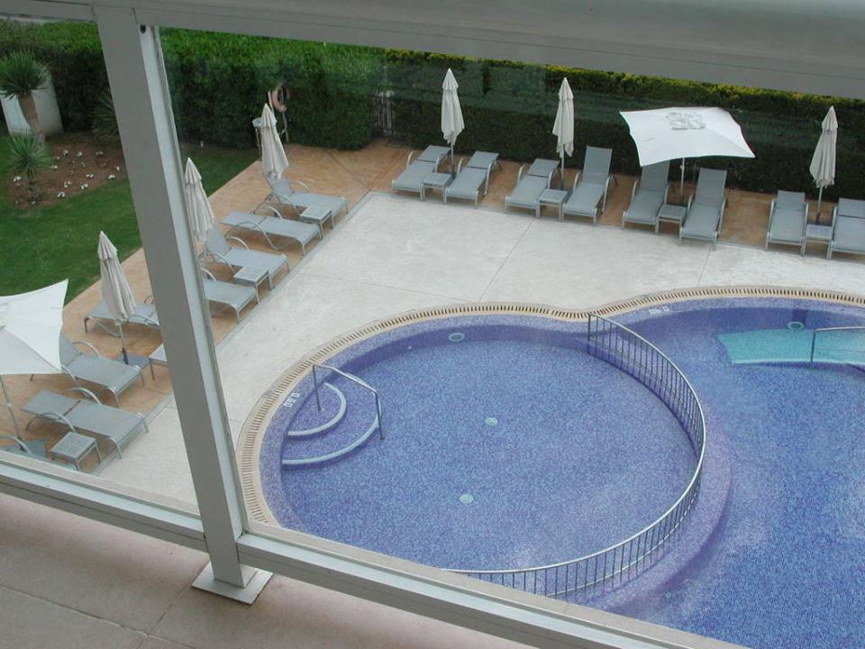 blick vom balkon auf den pool las gaviotas suites hotel. Black Bedroom Furniture Sets. Home Design Ideas