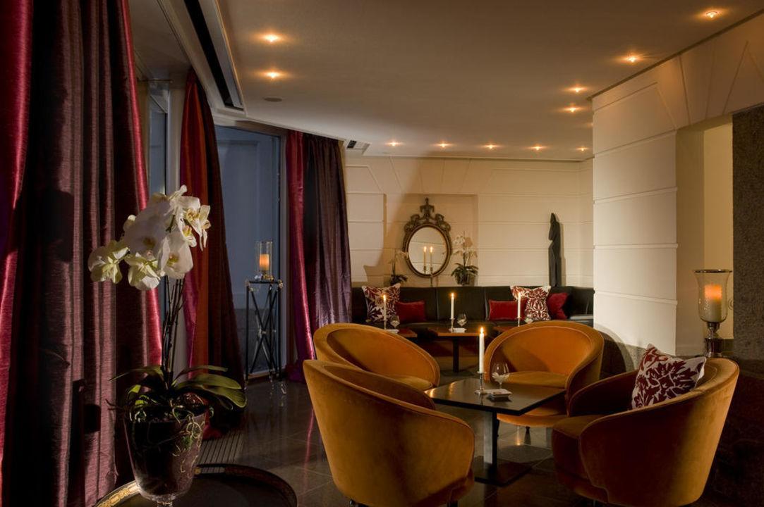 """Hotelbar """"L´Orchidee"""" & Davidoff-Lounge Relais & Châteaux Schlosshotel Burg Schlitz"""