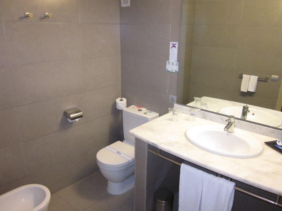 Badezimmer blau punta reina resort manacor holidaycheck mallorca spanien - Badezimmer blau ...