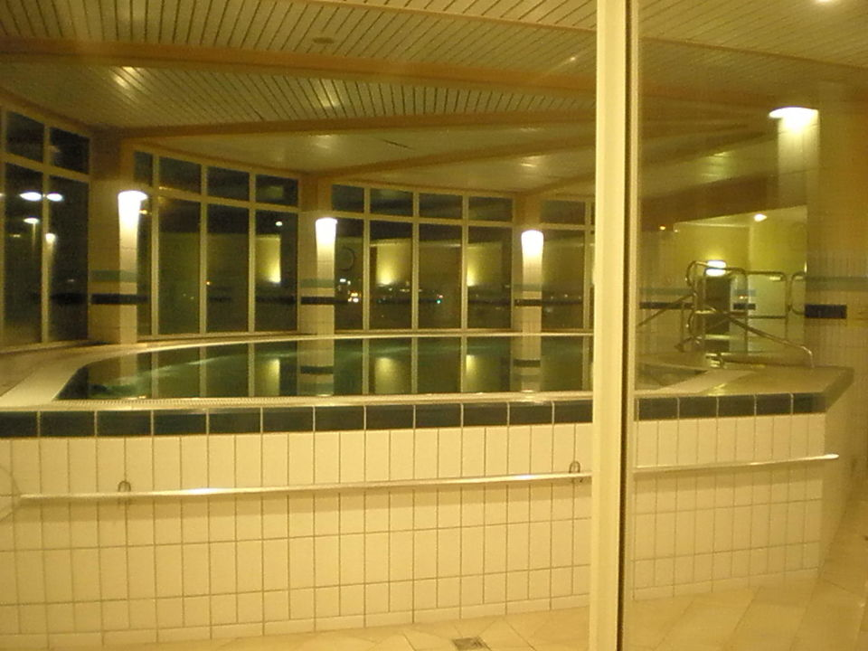 Kleiner Pool Hotel Holiday Inn Hamburg