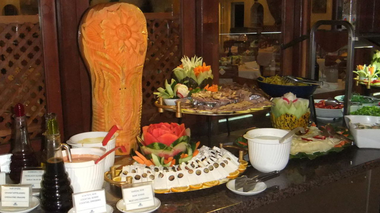 Salatbuffet am Abend LABRANDA Alantur Resort