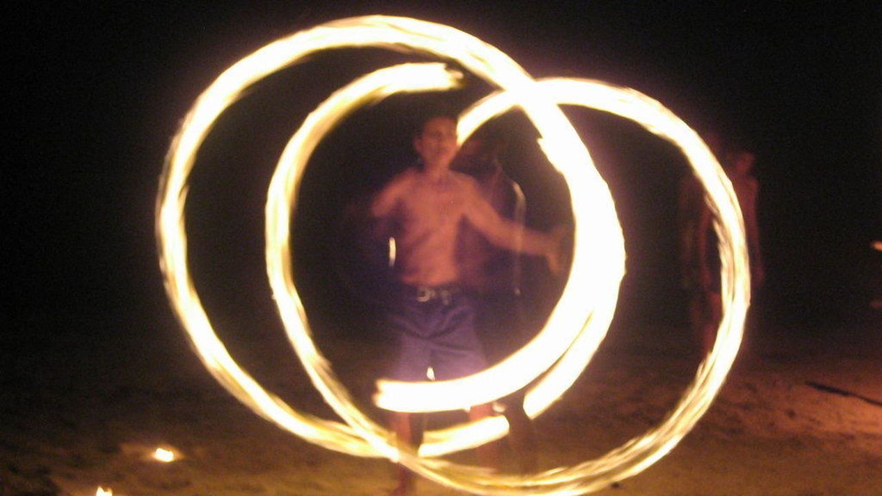 Feuershow am Strand Hotel Koh Chang Paradise Resort