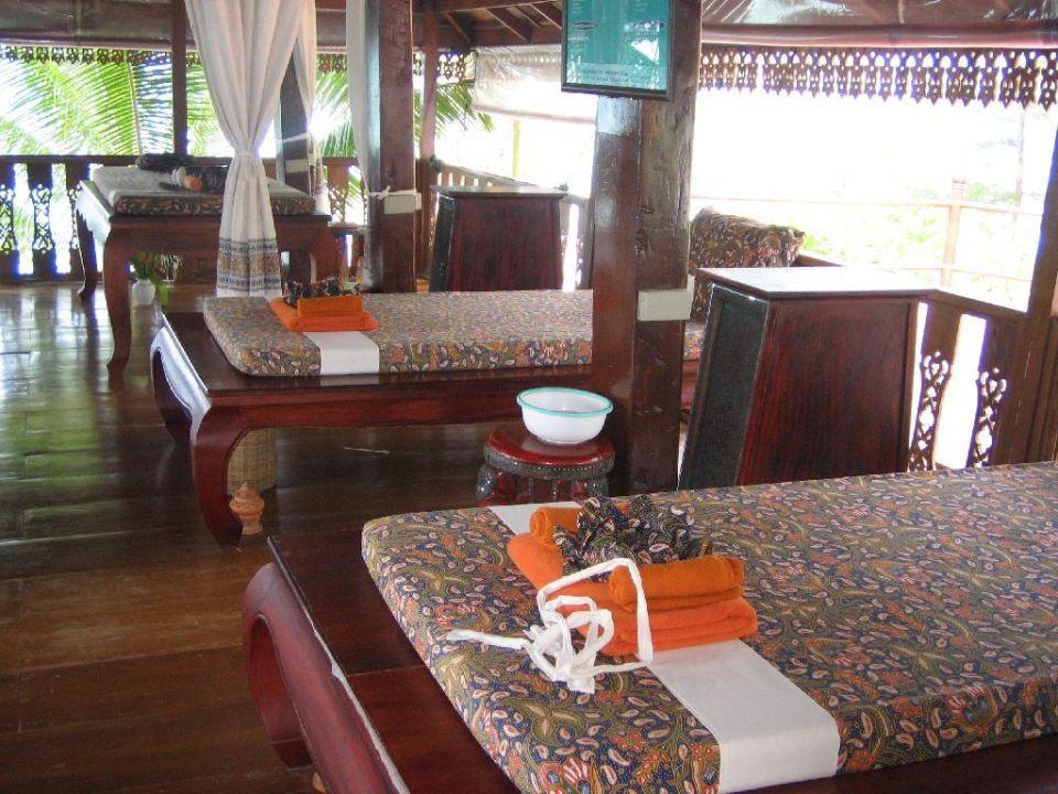 Saubere, gepflegte Massageliegen! Santhiya Tree Koh Chang Resort