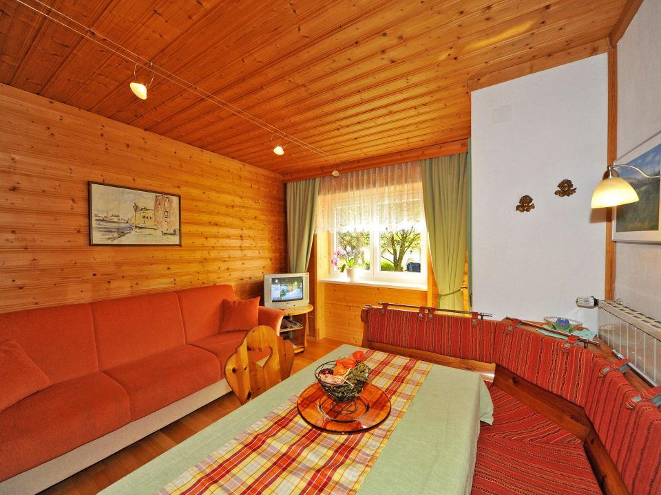 Gemutliche Wohnkuche Mit Sofa Appartement Nr 2 Haus Hasslacher