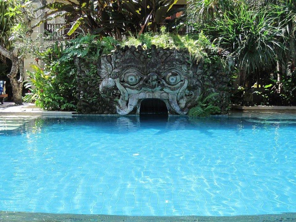 Pool Hotel Puri Santrian