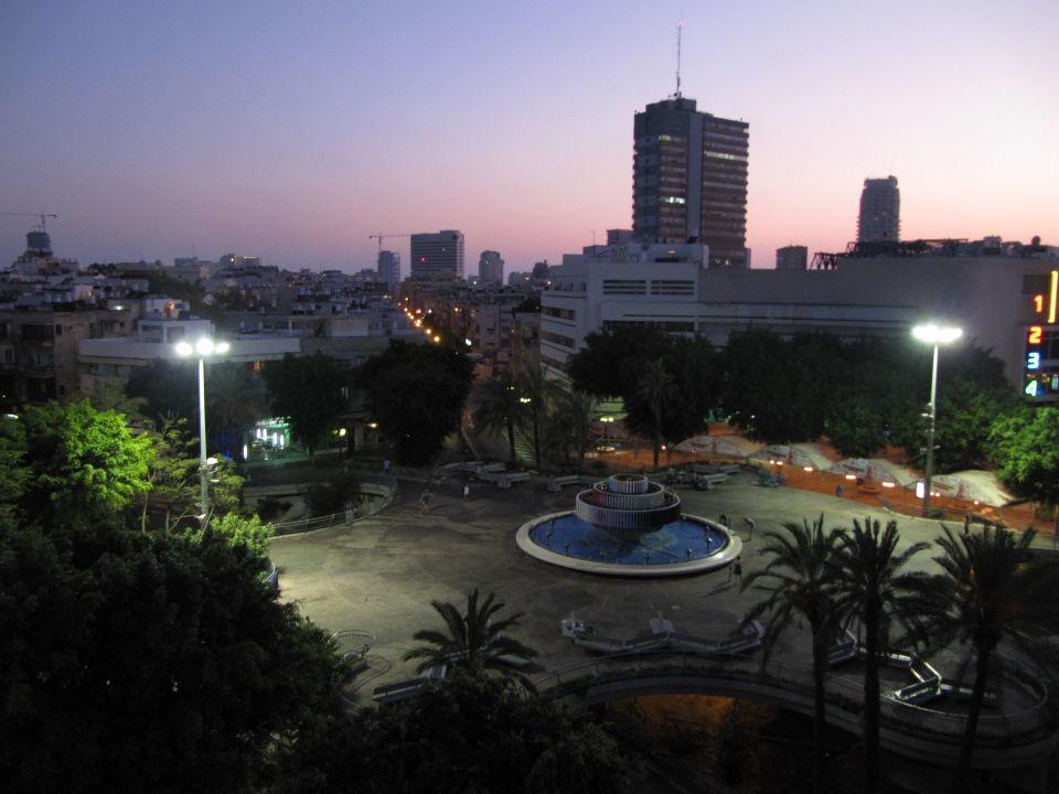 Ausblick von Dachterrasse Hotel Cinema