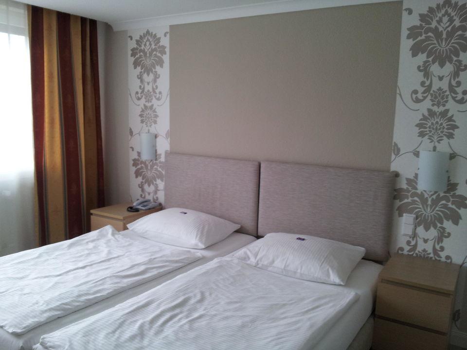 sch nes bequemes bett hotel ahrbella garni bad neuenahr ahrweiler holidaycheck rheinland. Black Bedroom Furniture Sets. Home Design Ideas