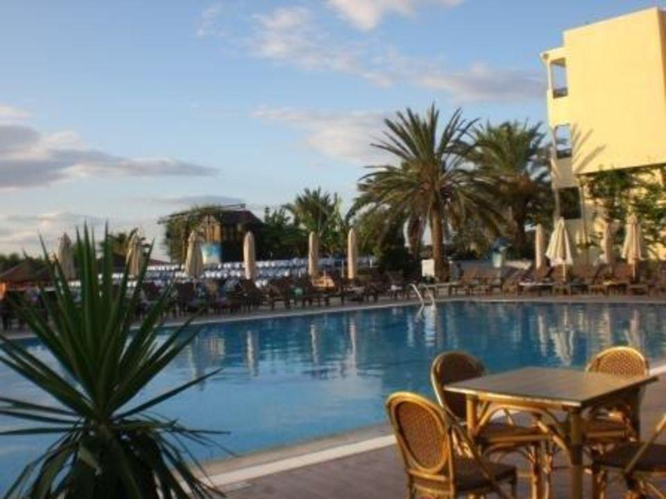 Poolanlage Hotel Paradis Palace