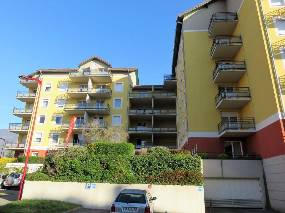 Außenansicht Hotel Sejours Et Affaires Saint Genis