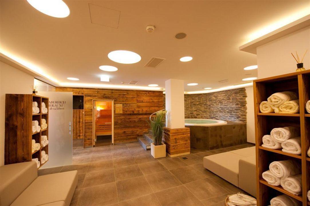 bild whirlpool im erlenreich zu hotel gro arler hof in gro arl. Black Bedroom Furniture Sets. Home Design Ideas