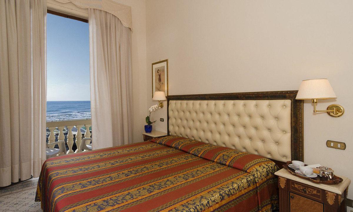 Matrimoniale con balcone Hotel Villa Tina