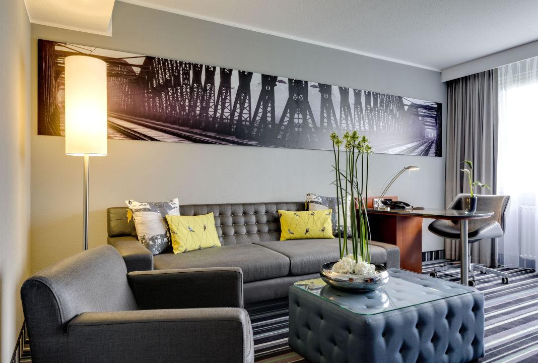 """""""Wohnzimmer Der Suite"""" Radisson Blu Hotel Dortmund"""