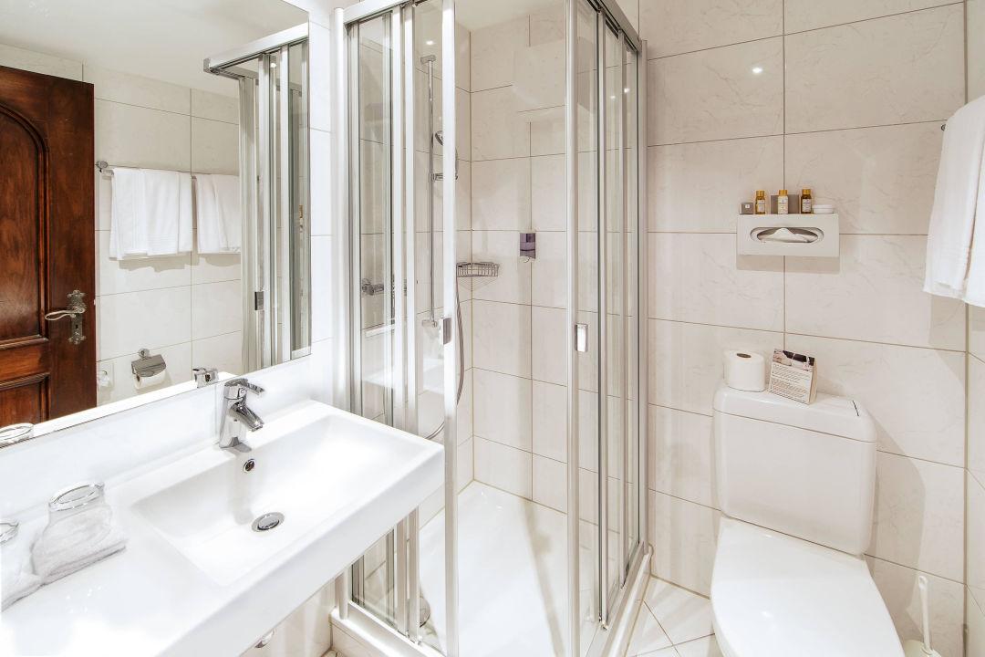 Elegant Superior Kategorie, Badezimmer Schloss Hotel