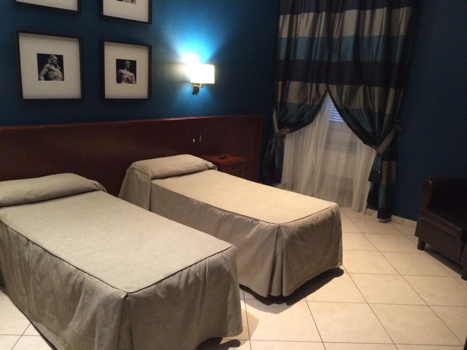 Unser schönes Zimmer in Petrol Hotel Taormina