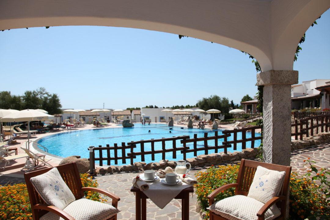 Camera fronte piscina hotel nuraghe arvu cala gonone holidaycheck sardinien italien - Hotel piscina in camera ...