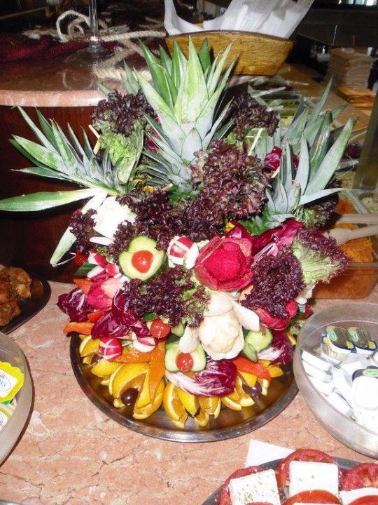 Aus Obst Und Gemuse Hergestellte Deko Calypso Palace Faliraki