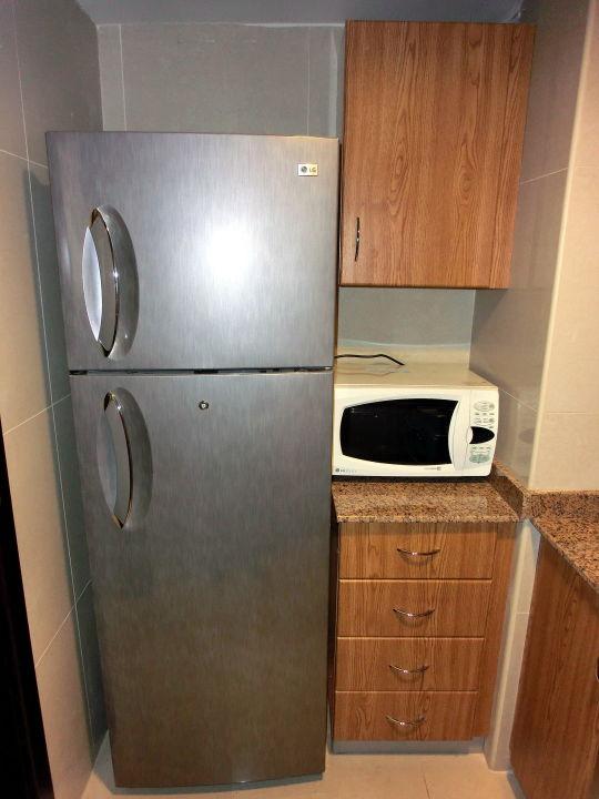 Großer Kühlschrank mit Gefrierfach\