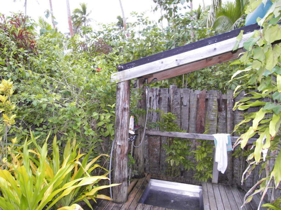 dusche im tropischen garten hotel fafa island resort - Hotel Amsterdam Dusche Im Zimmer