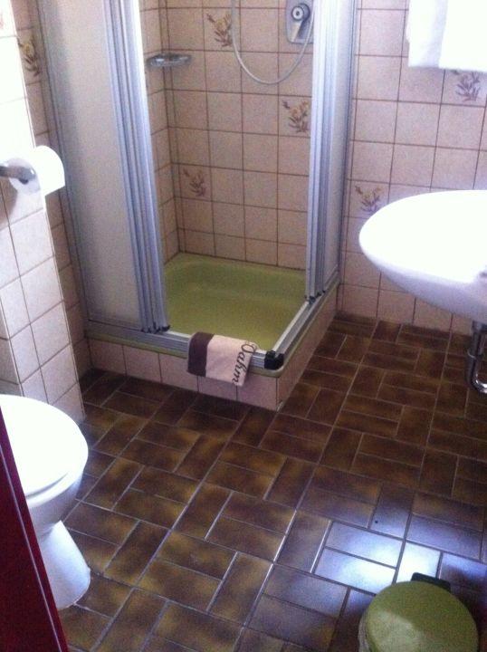 Badezimmer 80er Jahre Seehotel Lönö