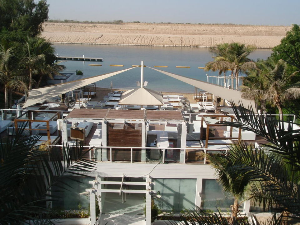 Plastic party Hotel Golden Tulip Jazira Beach Resort