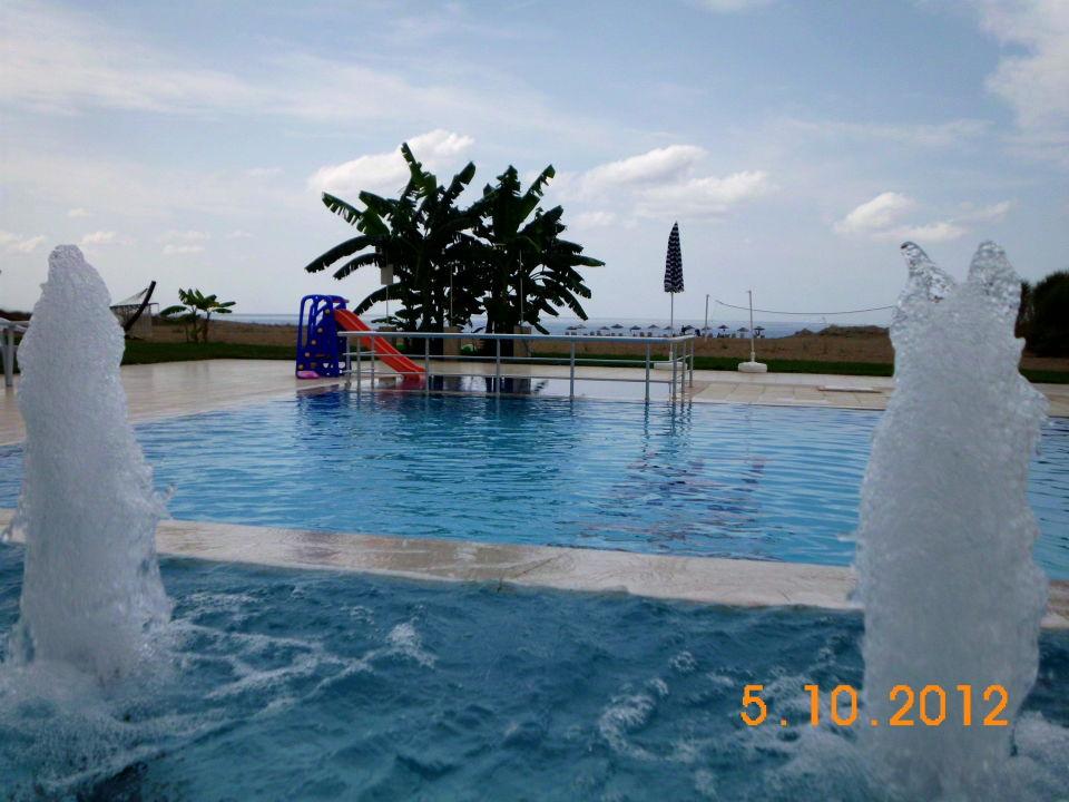 Wasserfall Am Pool Skys Hotel