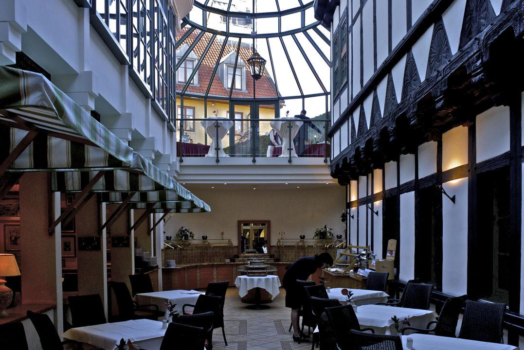 Restaurant Auf Einer Ehemaligen Strasse Hotel Travel Charme