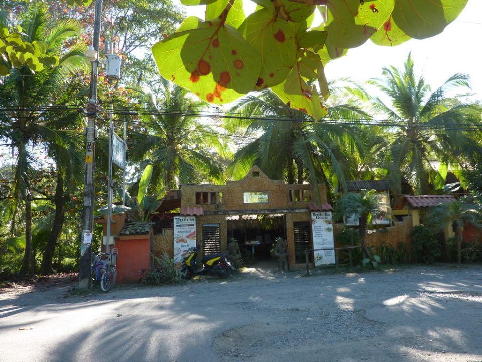 Eingang Totem Hotel