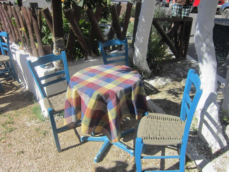 hotel blaue st hle m belideen. Black Bedroom Furniture Sets. Home Design Ideas